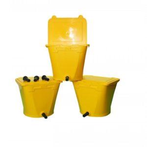 3 Gele ECF 1 Drinkbakken Wennemars met geel deksel